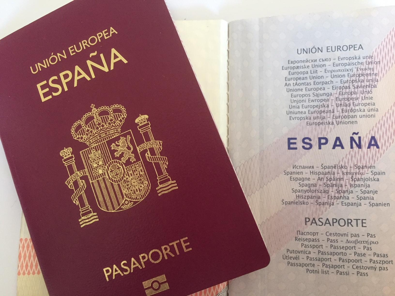 El formulario ESTA, Electronic System Travel Authorización, se conoce de forma errónea como VISADO ESTA. No se trata de un VISADO sino de una autorización de viaje concedida, en base a los datos proporcionados del pasaporte, por el gobierno de los EEUU a los ciudadanos de los países acogidos al programa del Visa Waiver Program […]